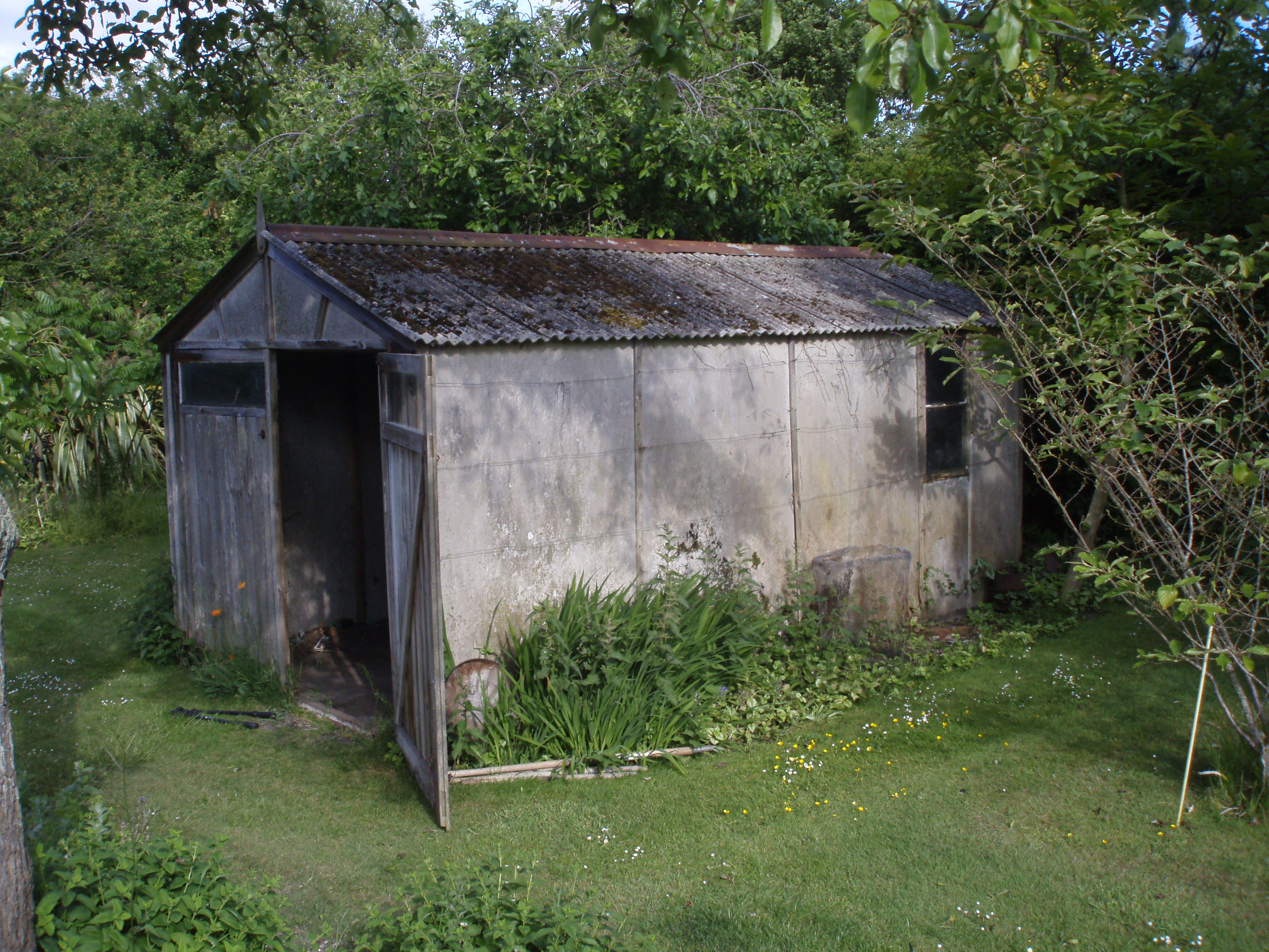 We Where Recently Asked To Quote On Removing A Shed And Its Contents From A  Garden In Ascot. The Shed Was About Thirty Years Old And Had An Asbestos  Roof ...
